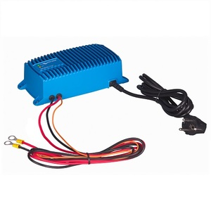 Chargeur de batterie au plomb et lithium-ion 2 sorties 24V 8A étanche SI (IP67) Victron Blue Power